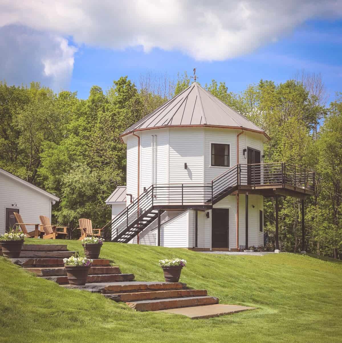 silo suite airbnb