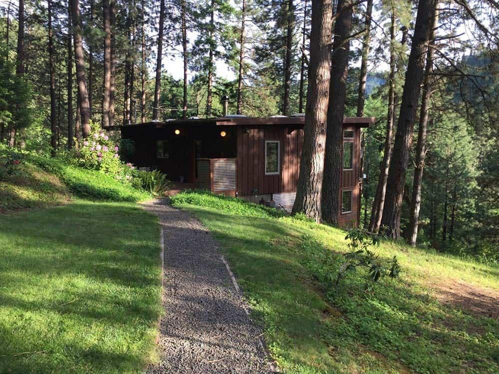 washington secluded cabin woods