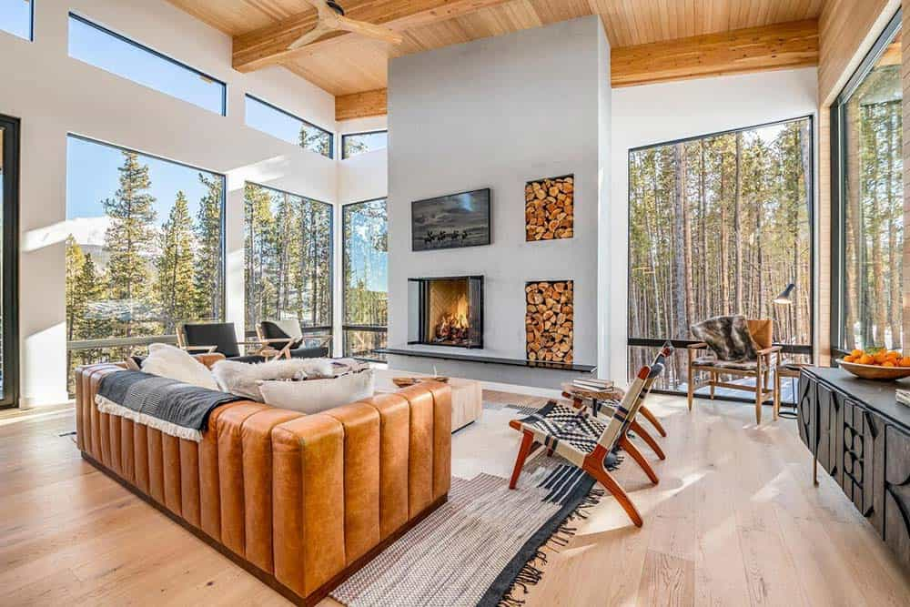 gold king haus airbnb breck
