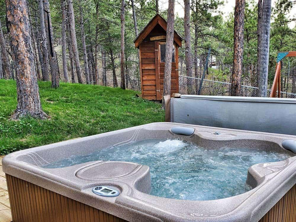hot tub cabin airbnb south dakota