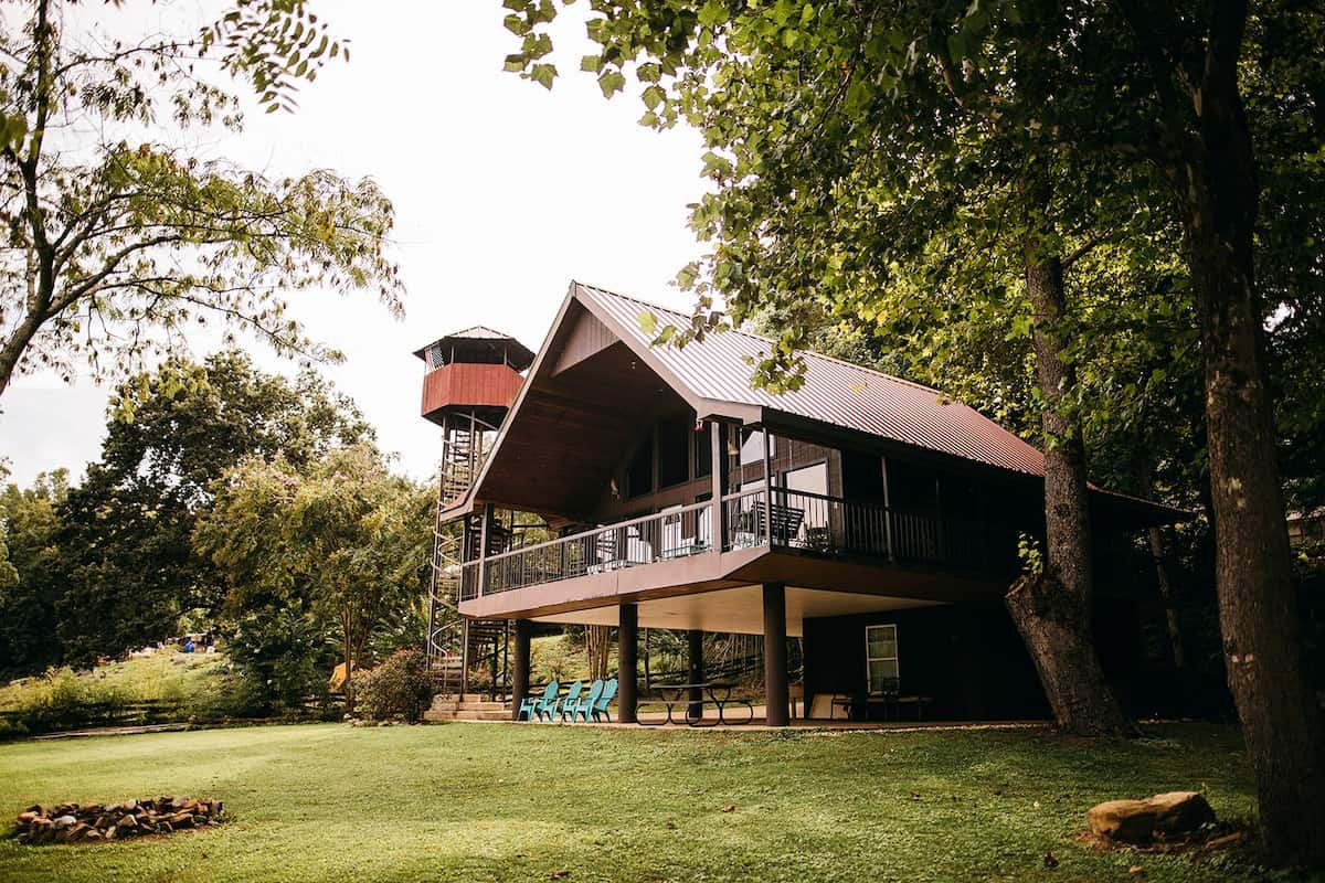 riverfront airbnb rental tennessee