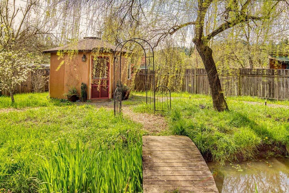 roundhouse airbnb eugene or