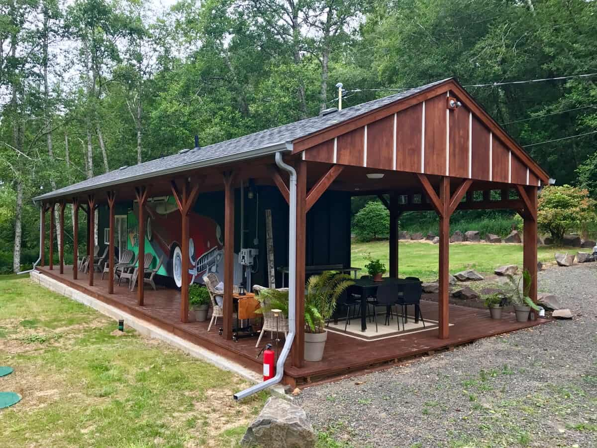 shipping container glamping