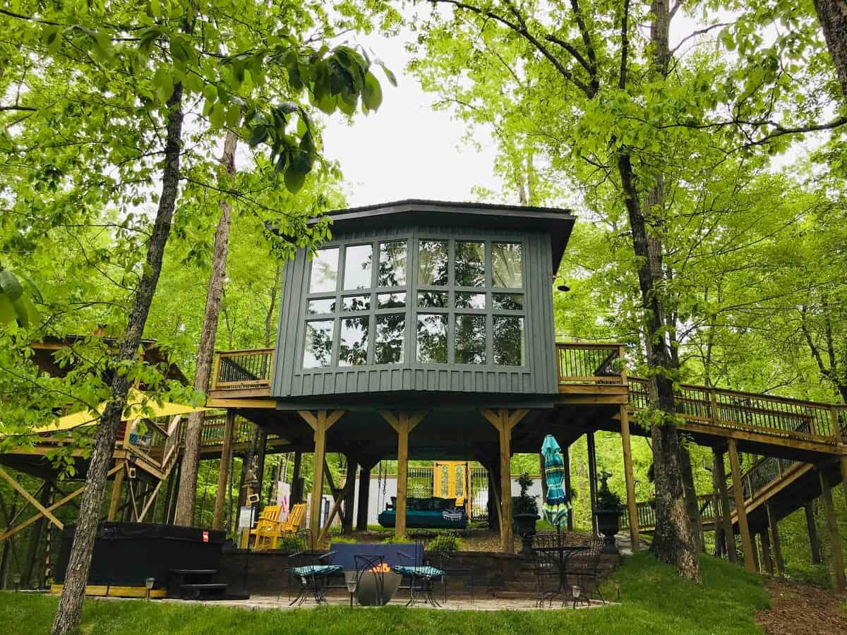 sulfur ridge tennessee treehouse airbnb