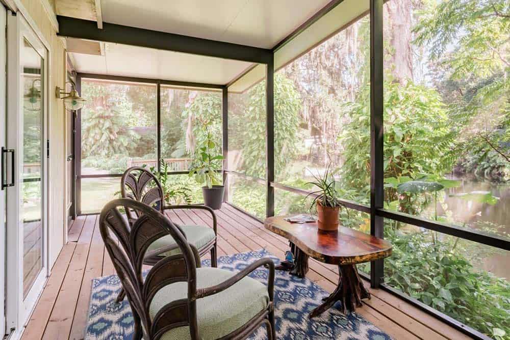 tampa airbnb sunroom