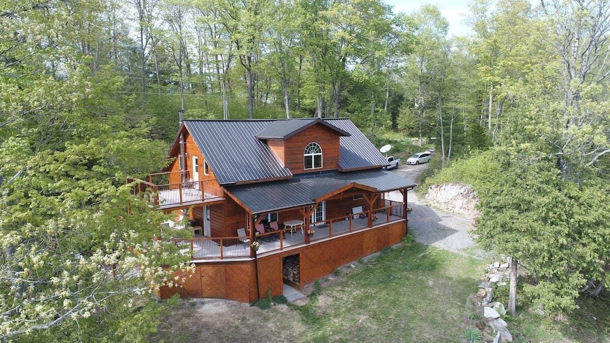 The Frontenac cabin and sauna
