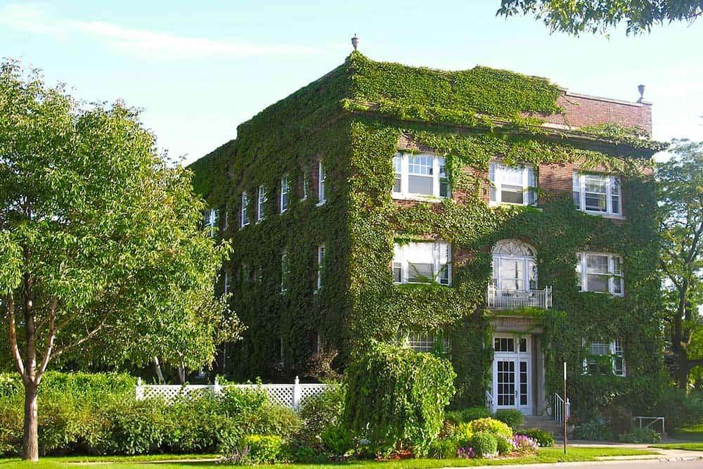 historic apartment airbnb iowa