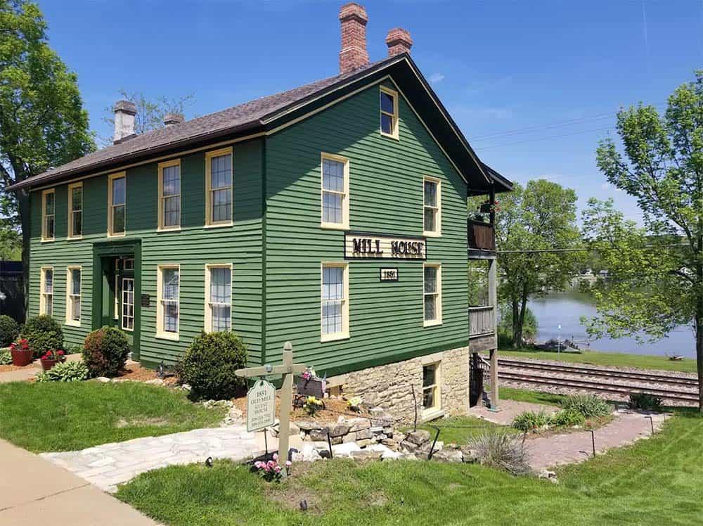 mill house airbnb iowa