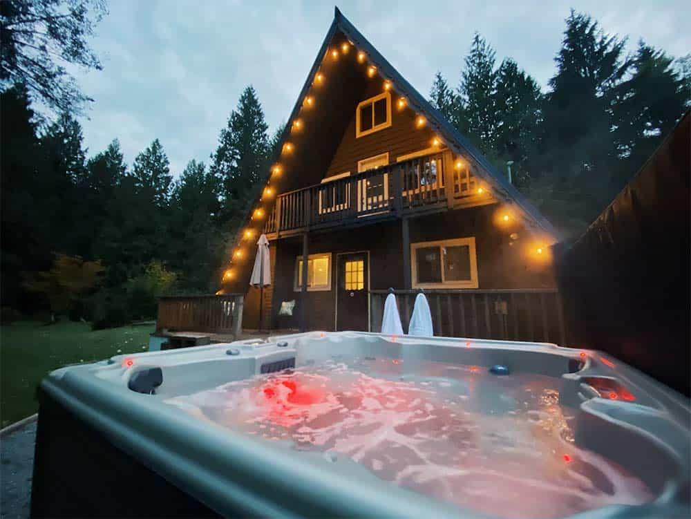 mt rainier cabin hot tub