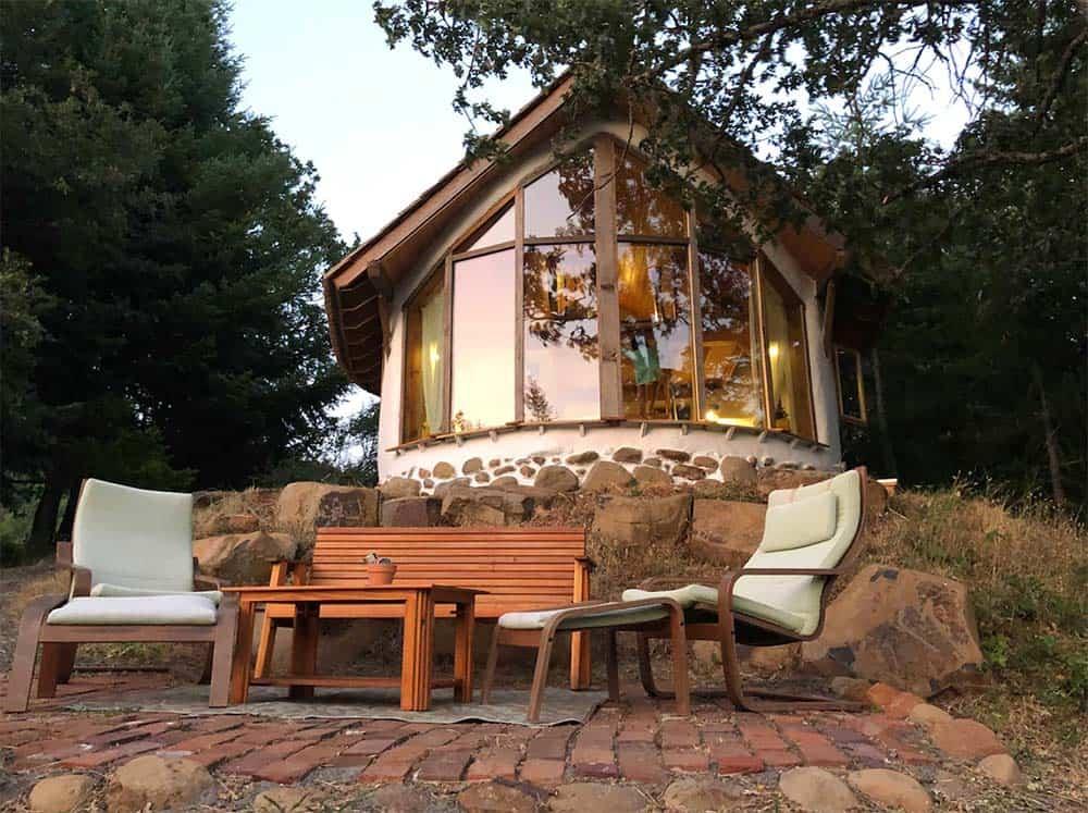 strawbale cottage glamping washington
