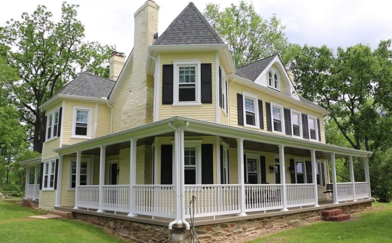 1813 Historical Farmhouse