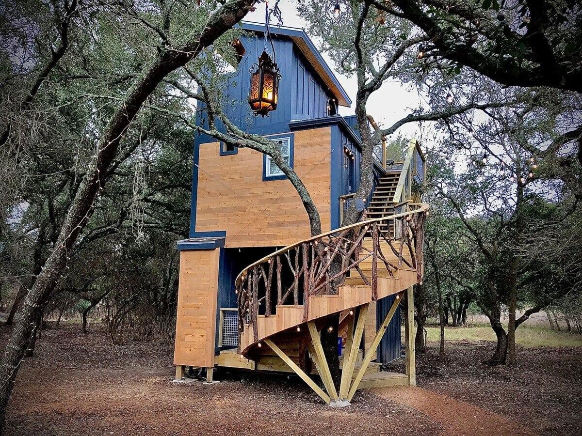 Acorn Treehouse at HoneyTree Farm