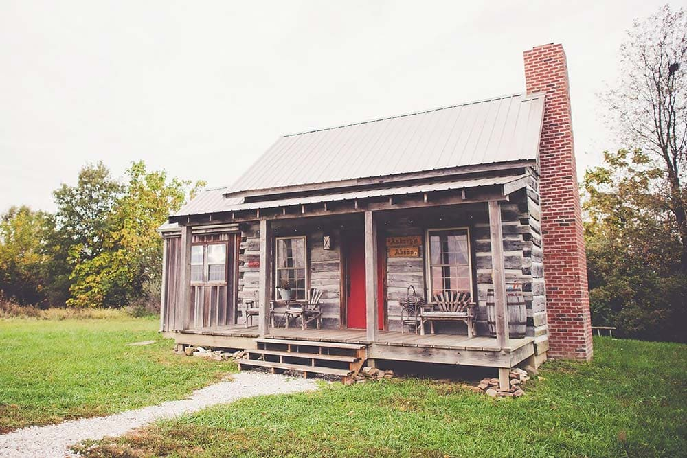 cabin airbnb illinois