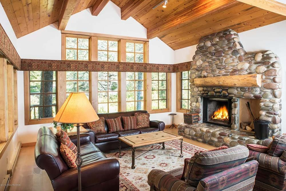 fireplace airbnb wyoming