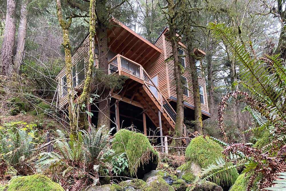 gold beach oregon treehouse