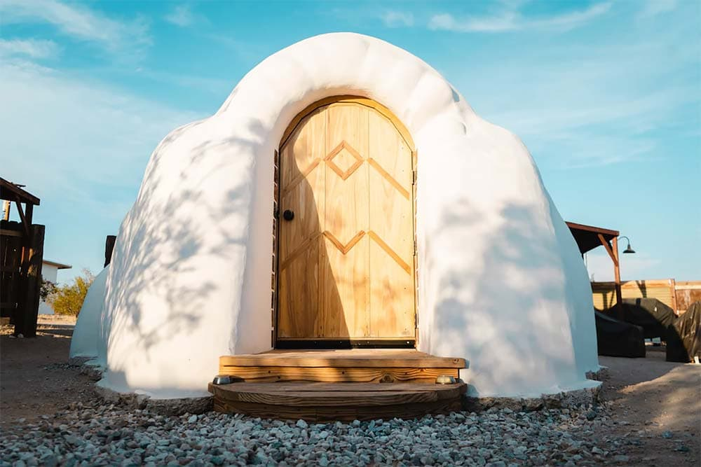 joshua tree glamping retreat