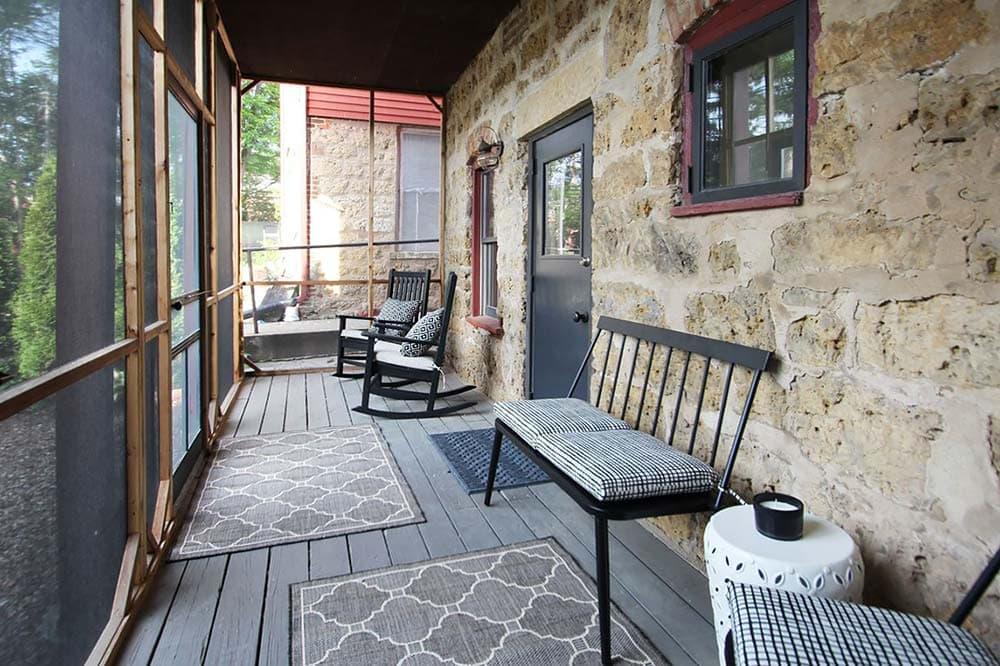 owl house airbnb illinois