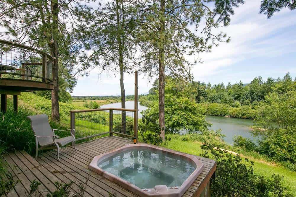 riverfront airbnb washington