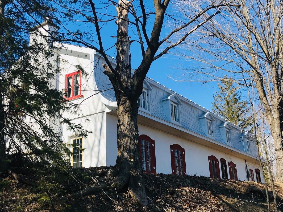 rustic cottage airbnb quebec