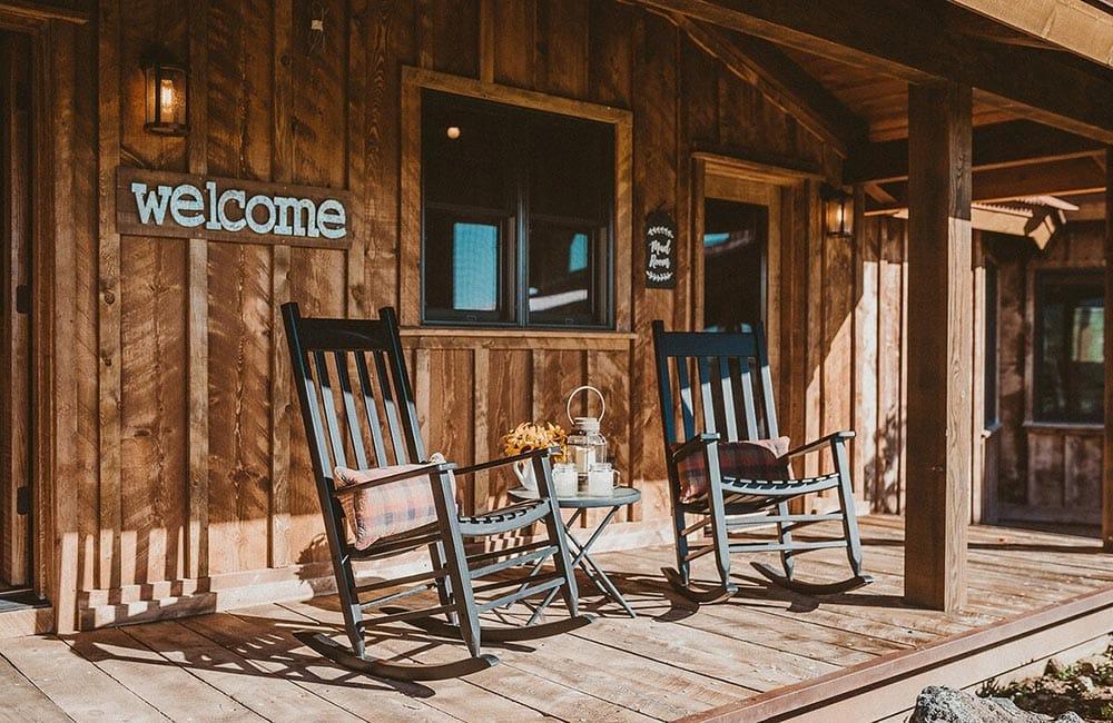 rusty elk lodge airbnb wyoming