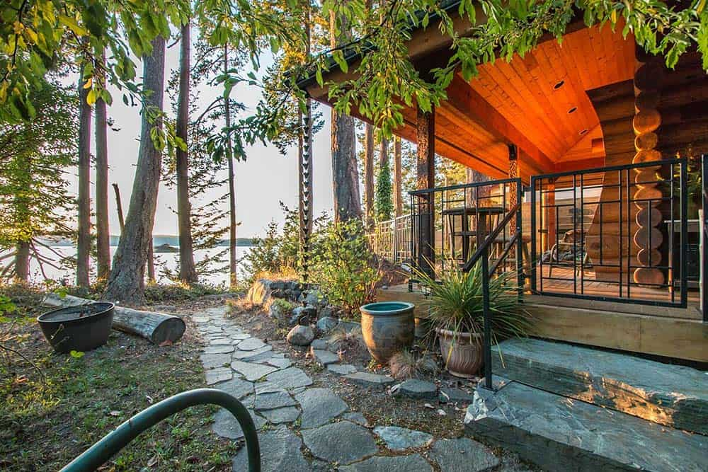 waterfront airbnb washington