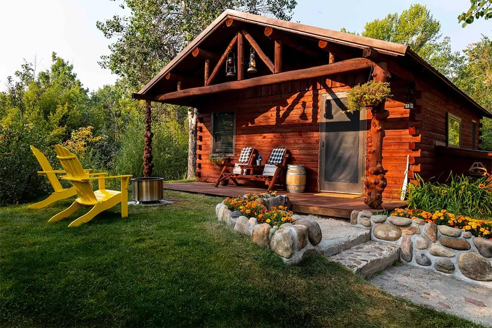 wyoming cabin airbnb