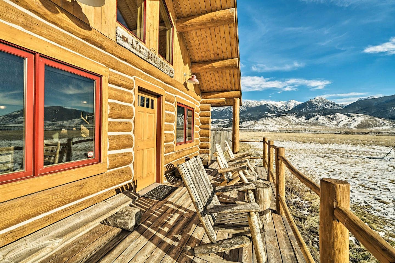 10 Acre Yellowstone Cabin