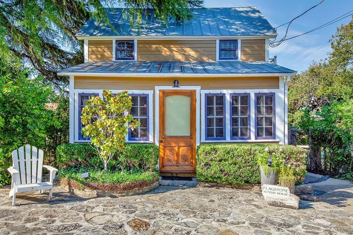 Historic Flagstone Sunday House airbnb
