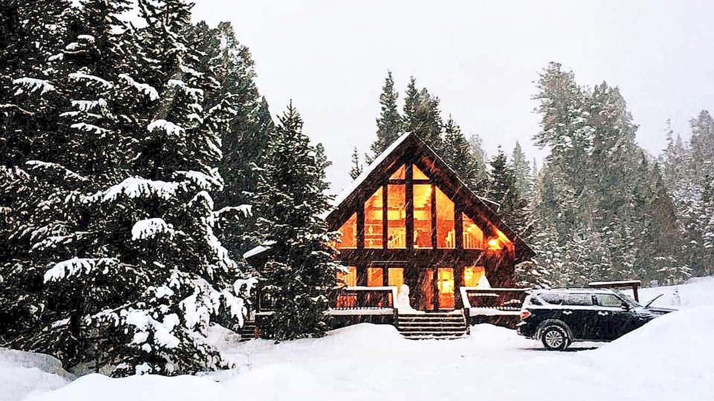 Mountain View Yellowstone Cabin