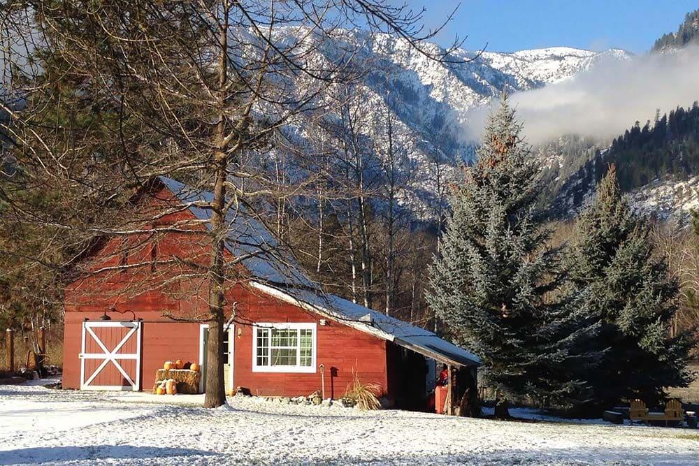 barn airbnb leavenworth