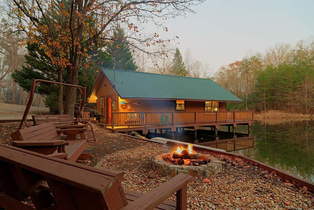 lakeside secluded cabin georgia