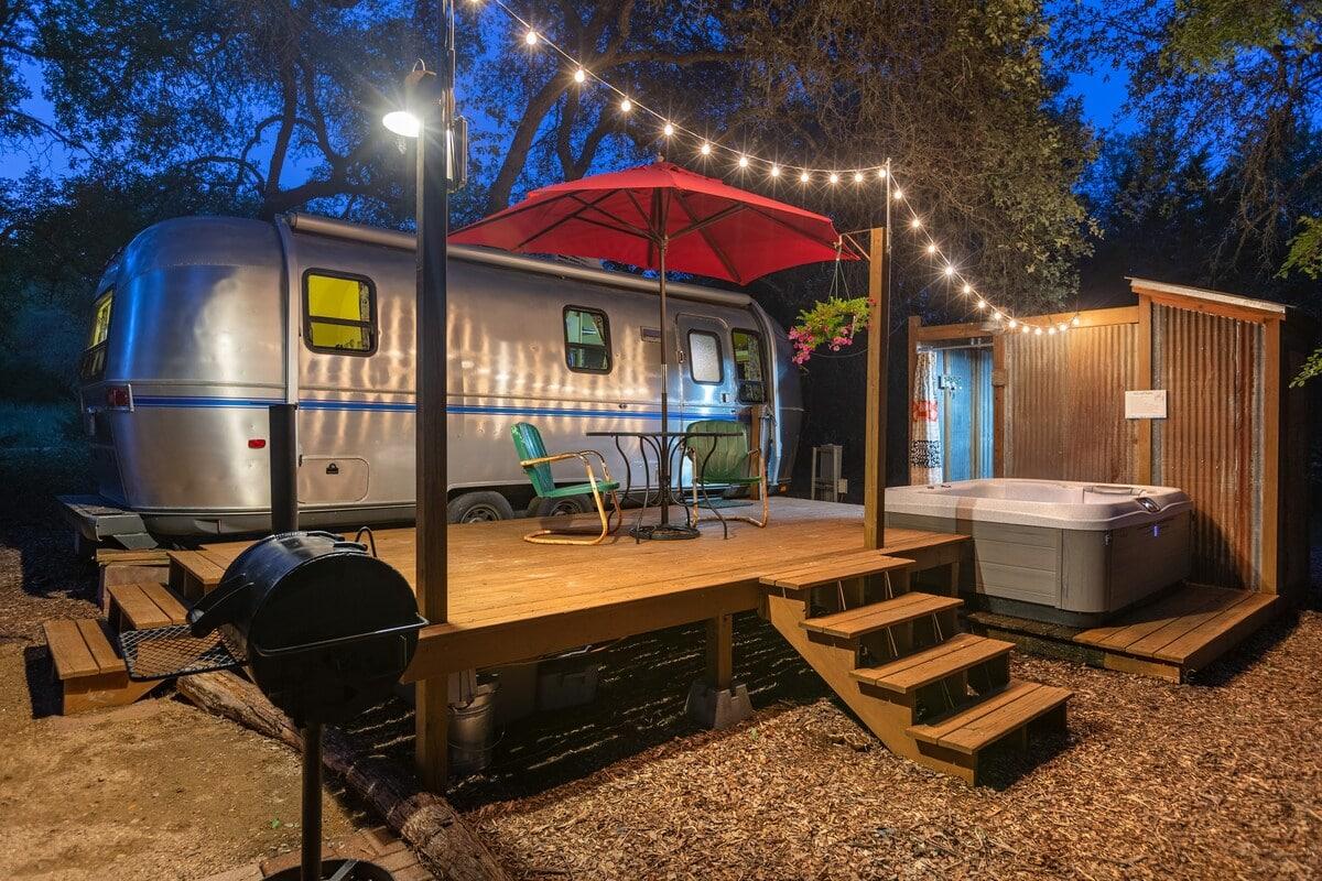retro airstream airbnb texas