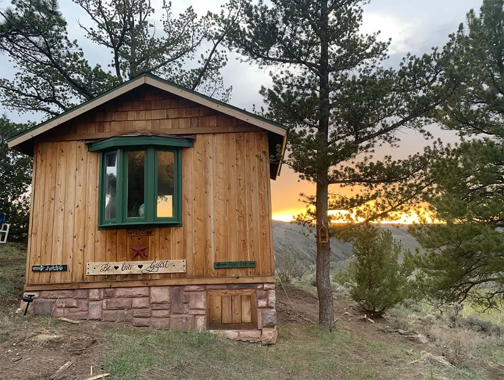 wyoming glamping cabin