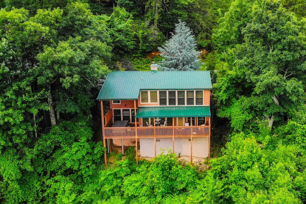 Gatlinburg Chalet airbnb