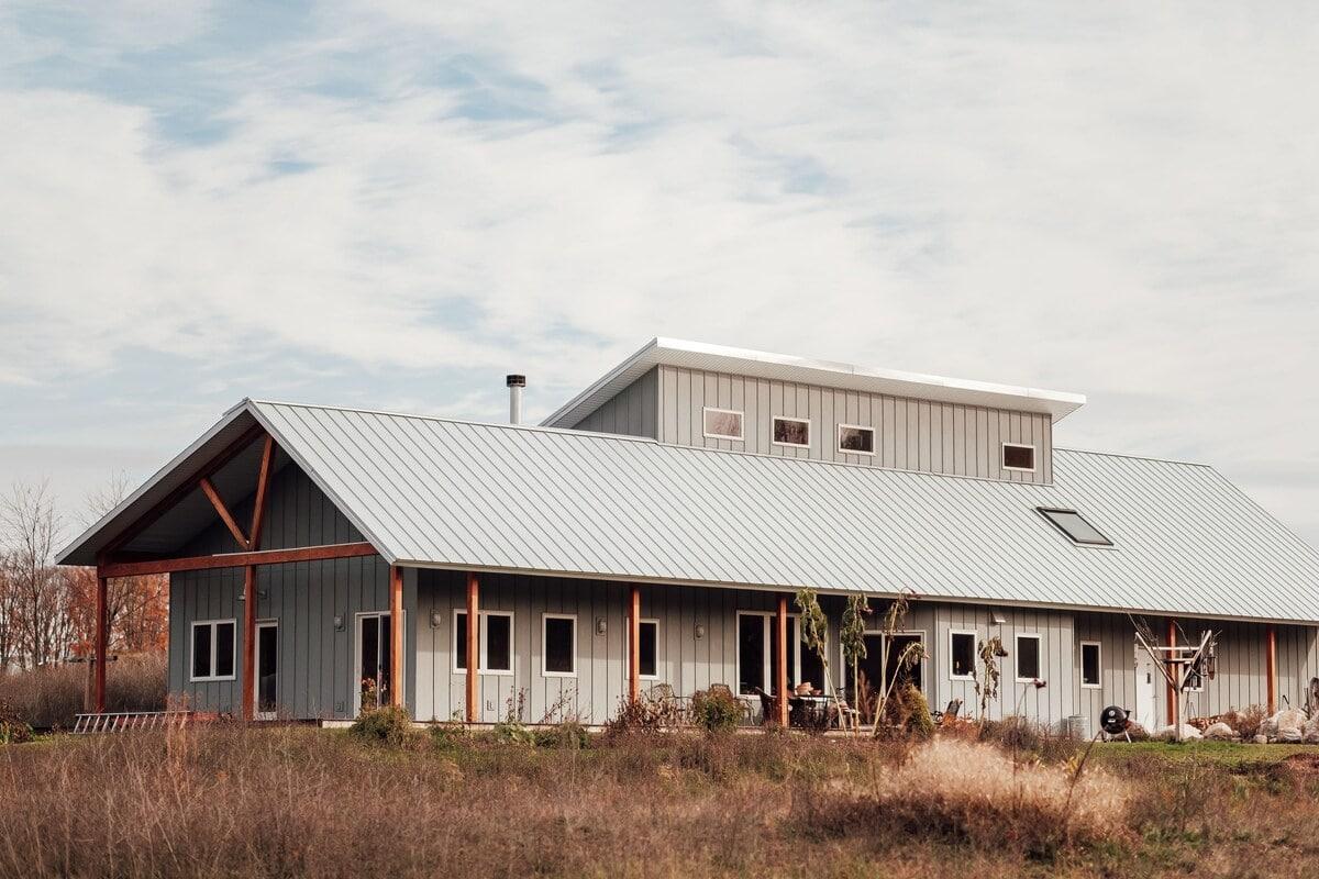 J2 Farm Guesthouse