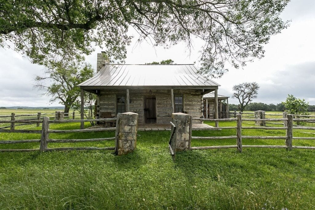 texas hill country log cabin