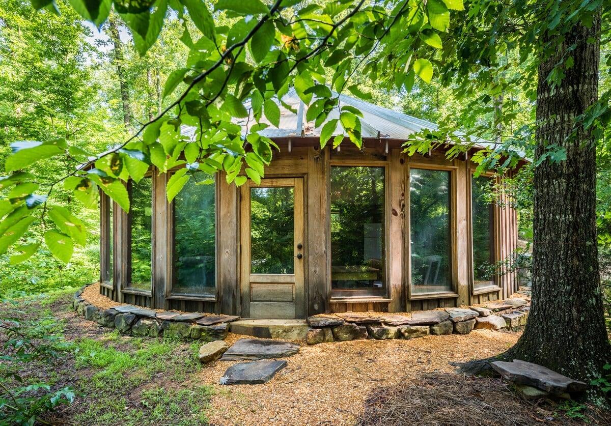 Kaluna Farm Retreat Wooden Yurt