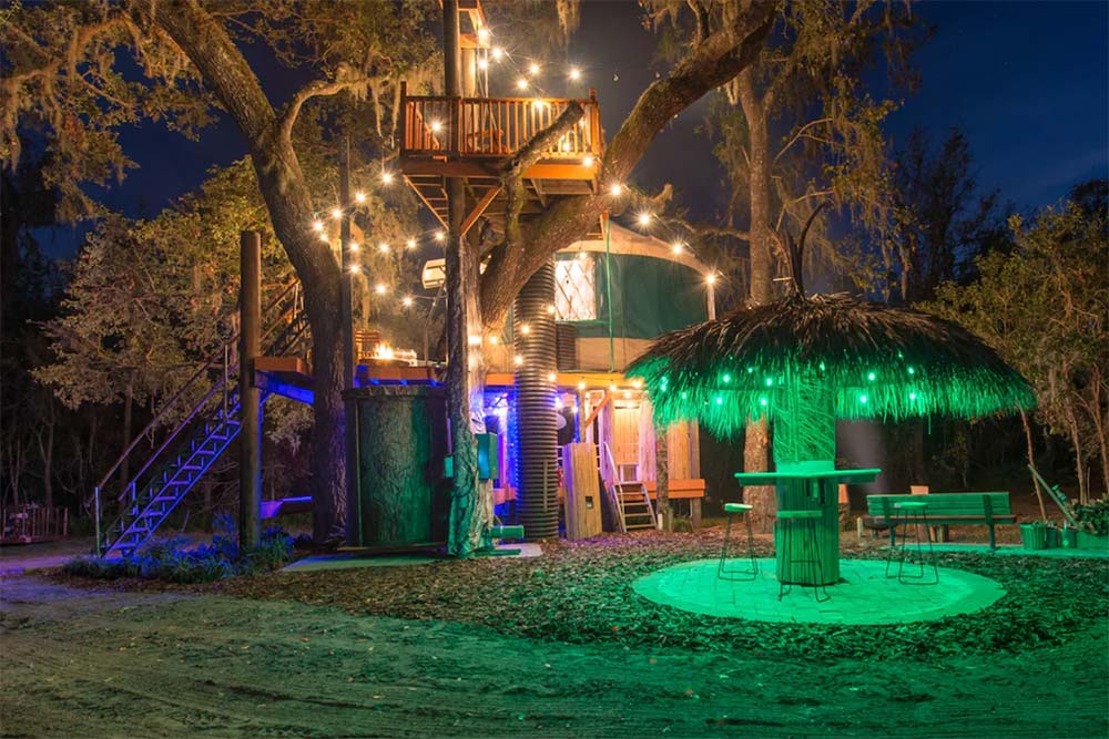 danville treehouse night