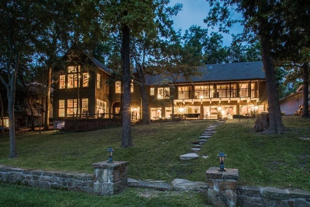 Cedar Creek Lake luxury rental