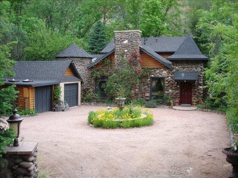 Creekside Chateau