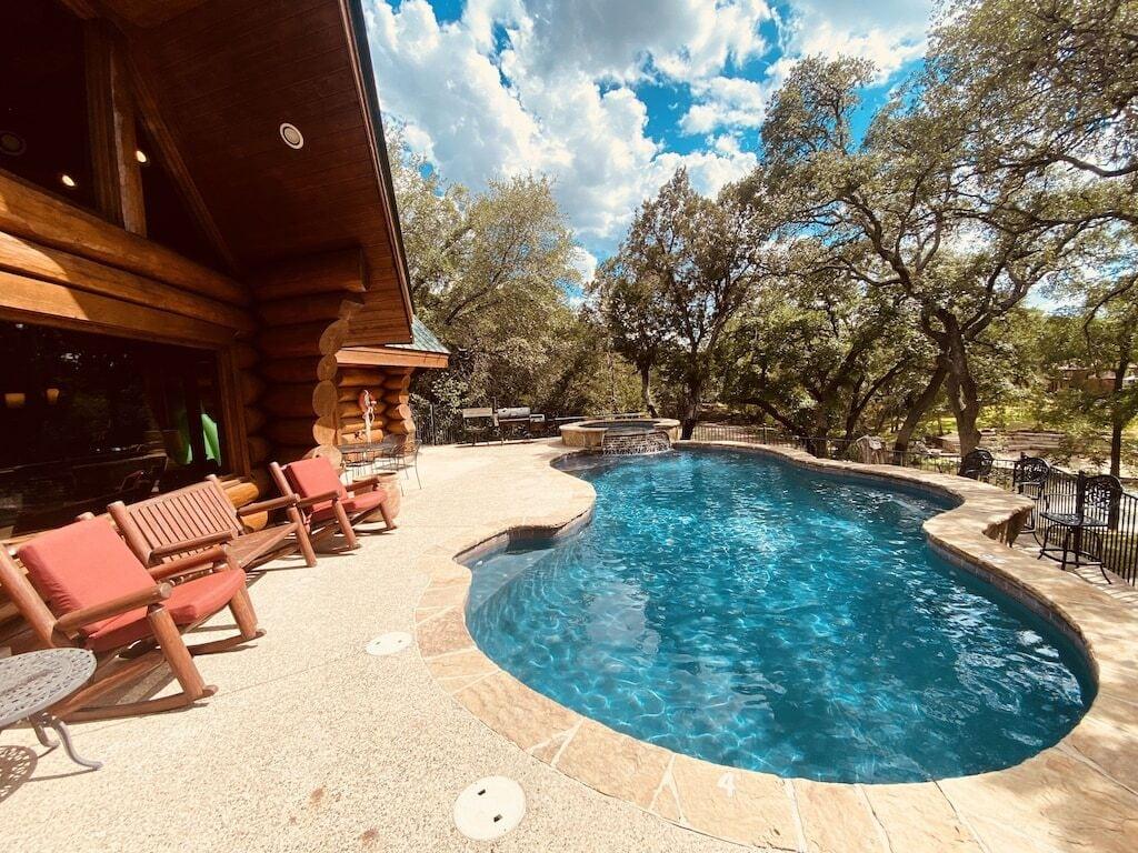 Elkhart Lodge texas