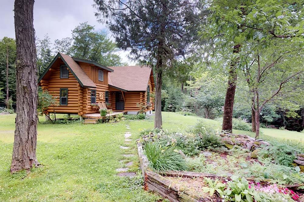 log cabin vrbo maine