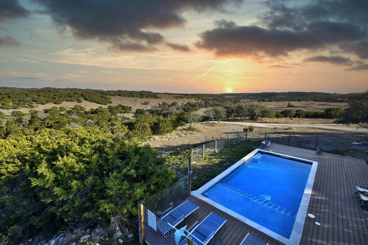 luxury rental hill country texas
