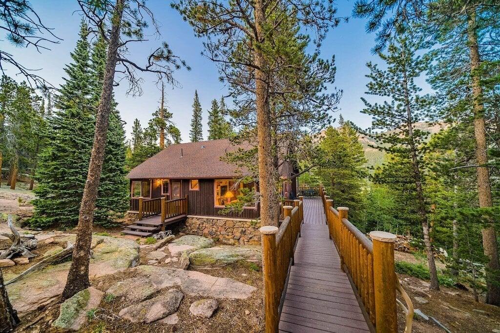 secluded estes park cabin rental