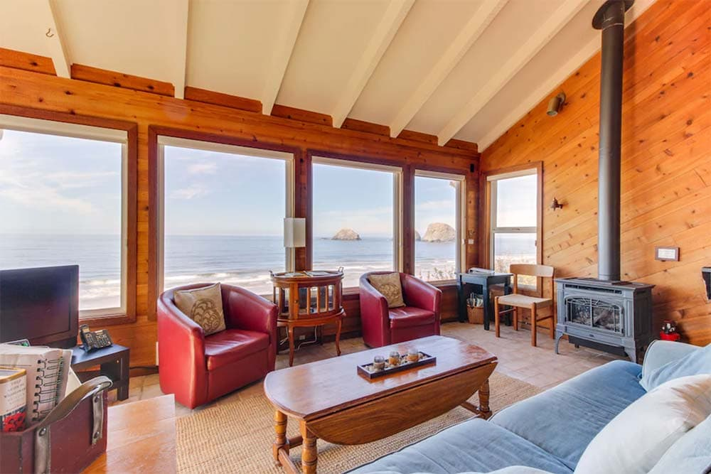 waterfront oregon coast cabin rental