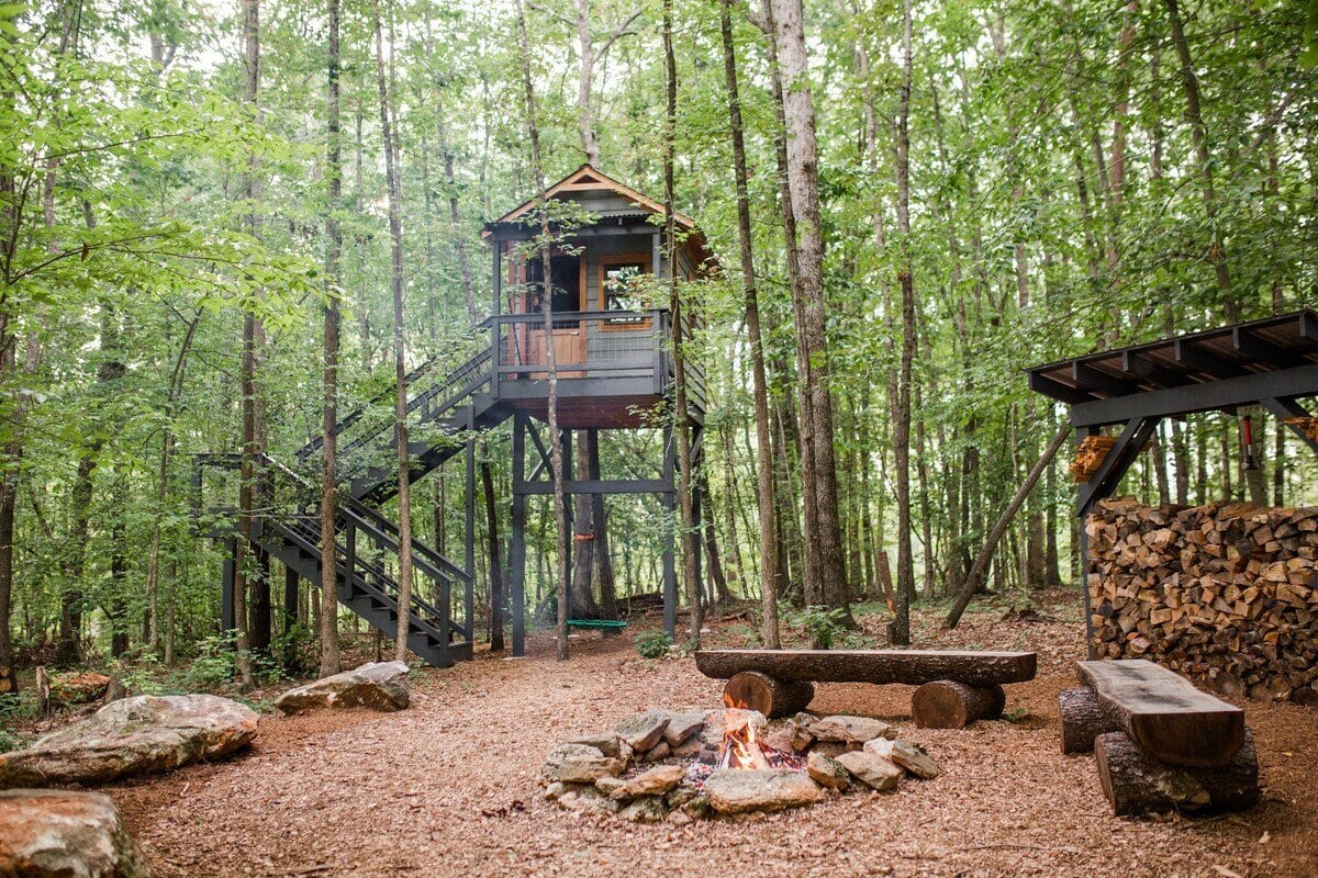 8 Acres of glamping on 20 Acre Lot