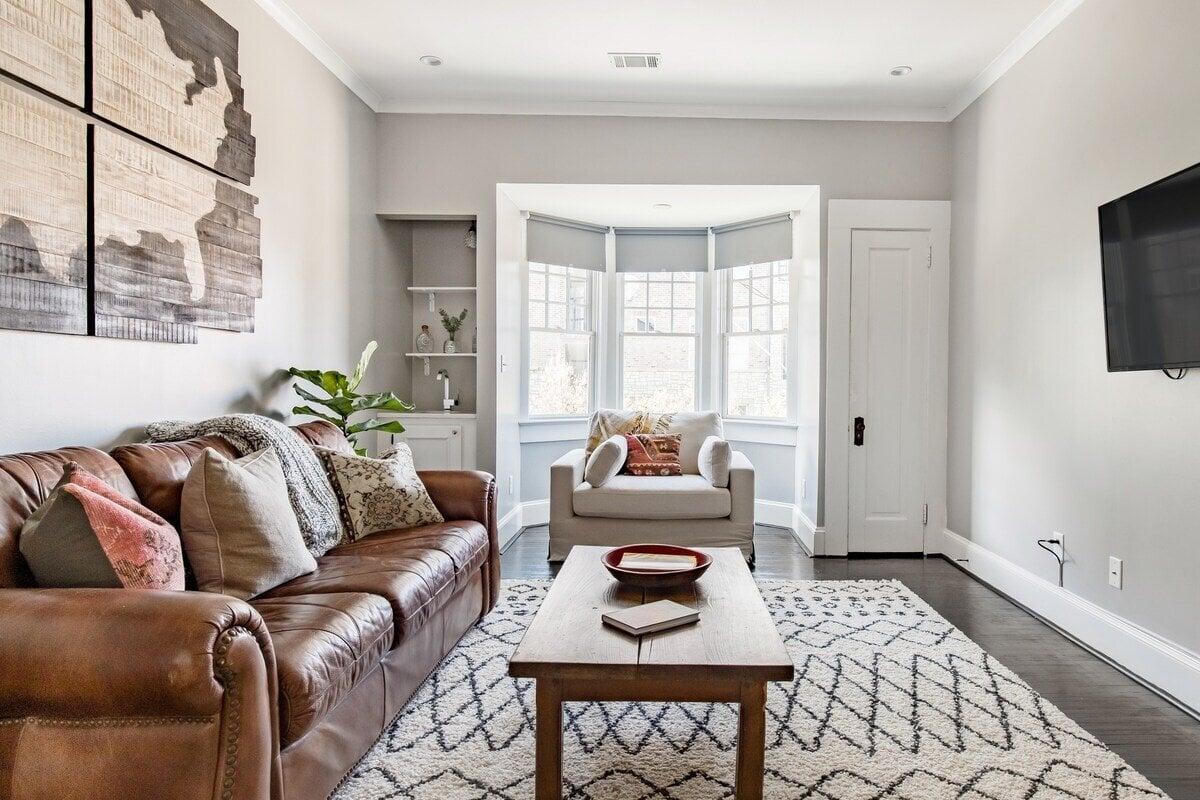 Midtown Historic Designer Apartment