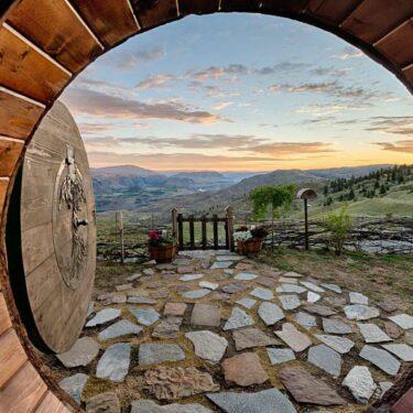 best hobbit house rentals
