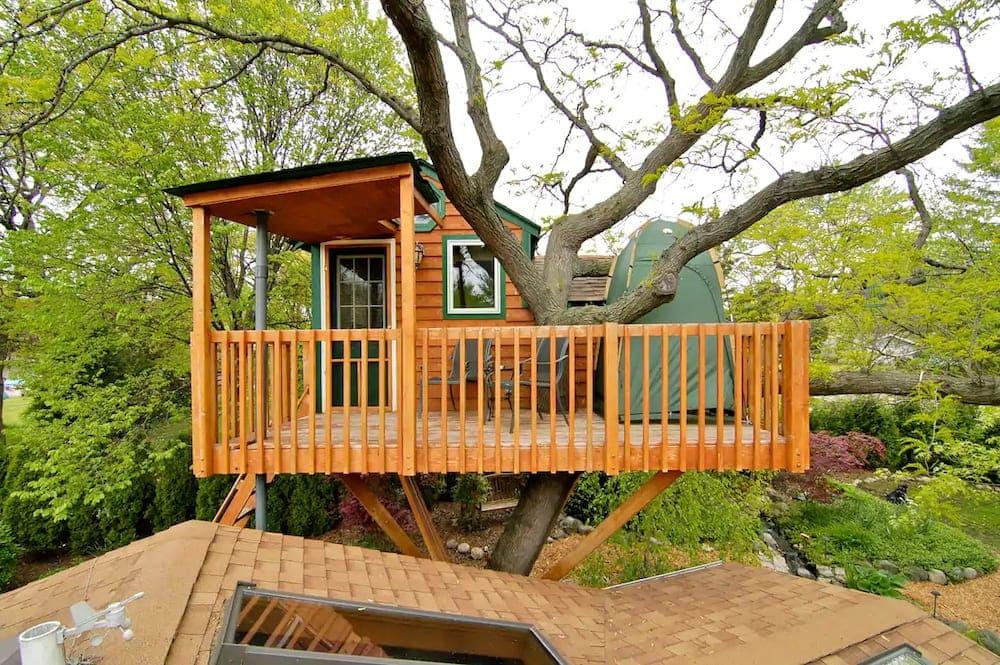 enchanted garden treehouse Illinois glamping