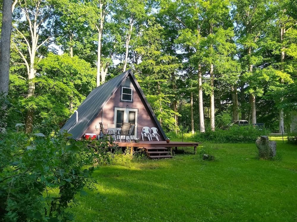 pet friendly a-frame cabin Illinois glamping